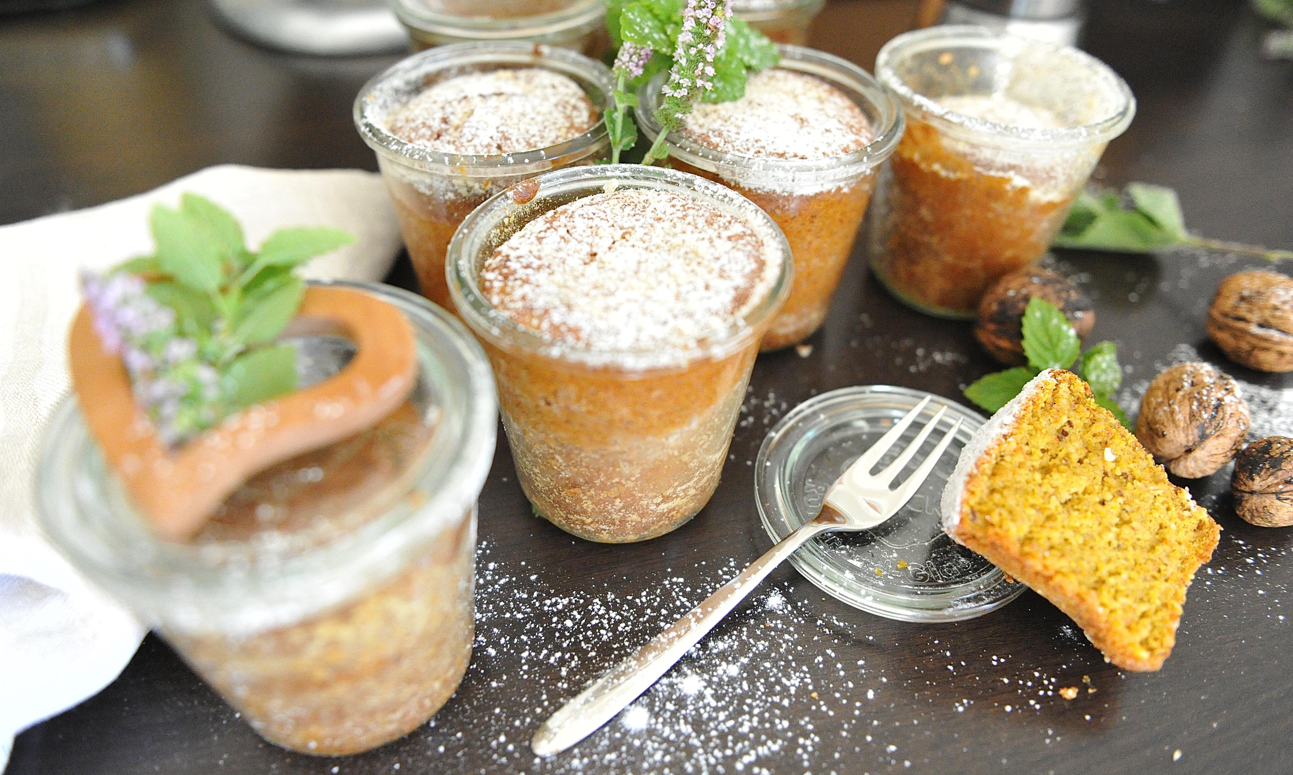Kürbis-Nusskuchen im Glas gebacken