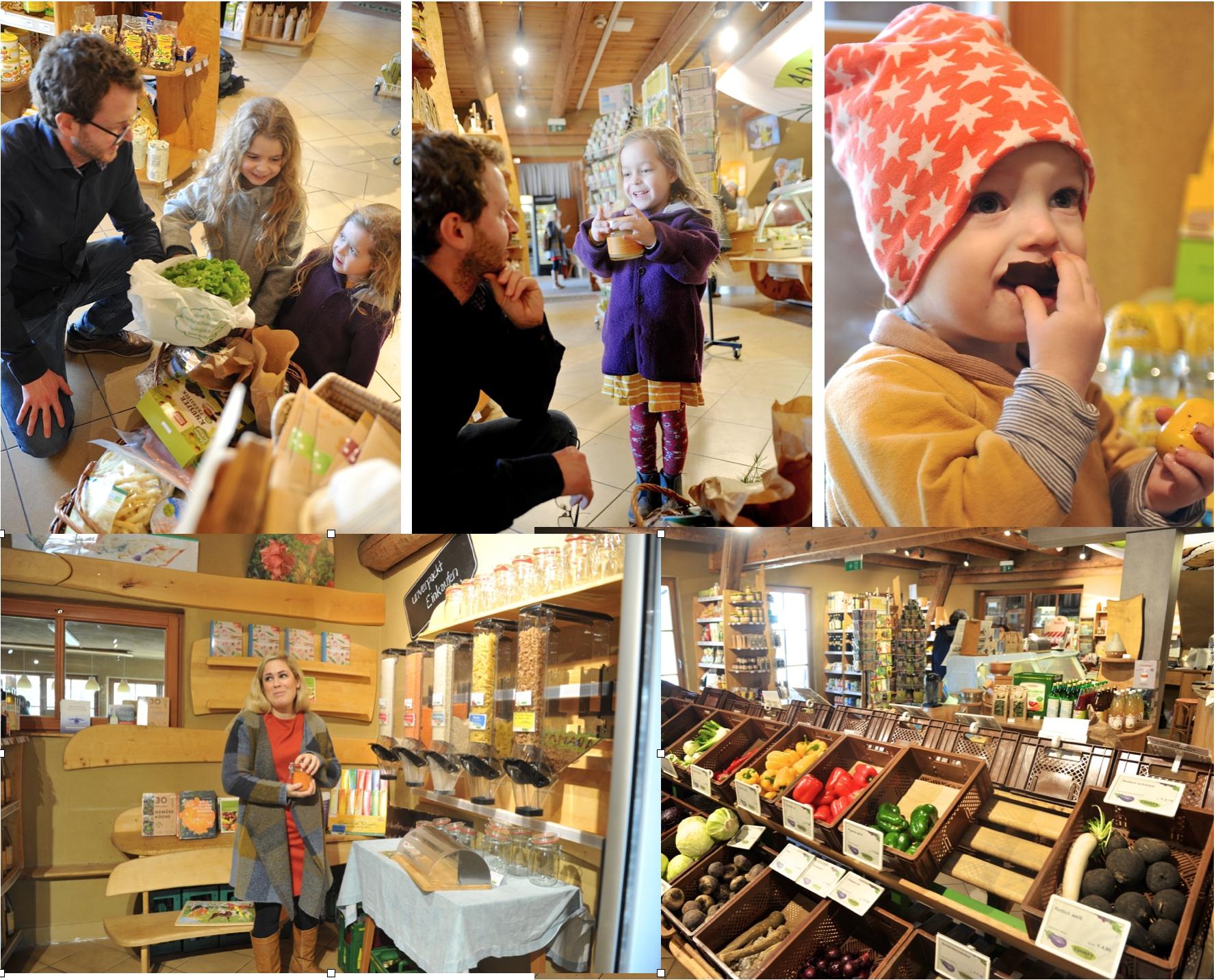 Familie beim Einkauf am Biohof Adamah