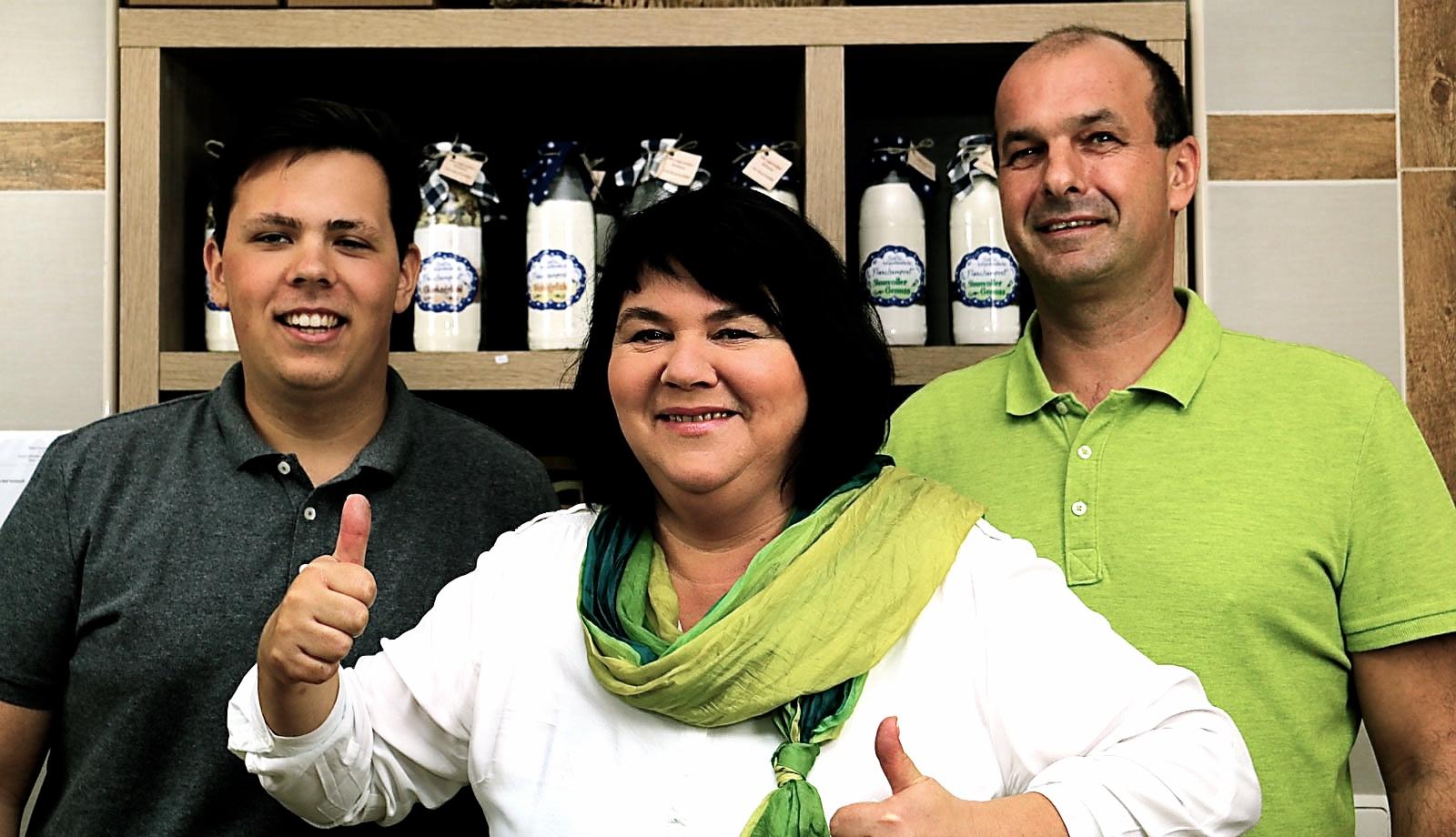 Frau Kovacs mit Mann Andreas und Sohn